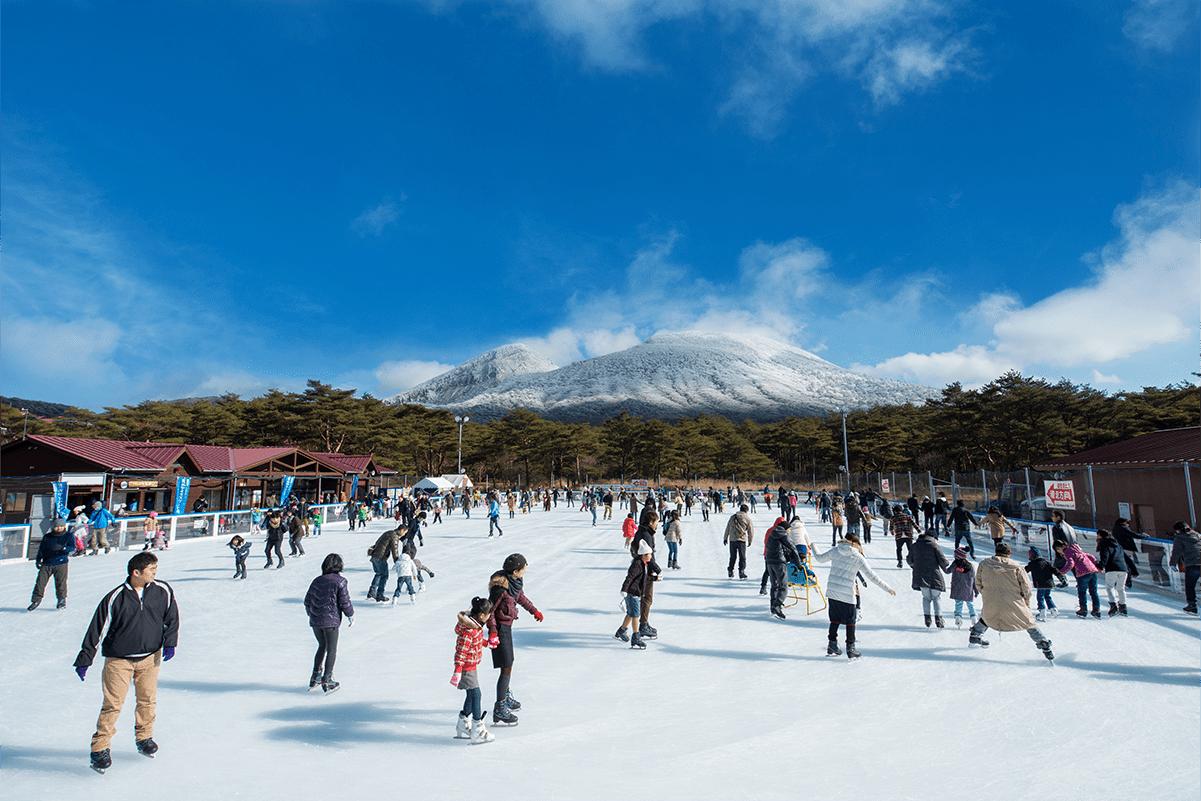 屋外アイススケート場の写真